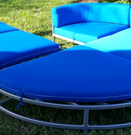 Regal Cushion Corner Chair R-50CCU